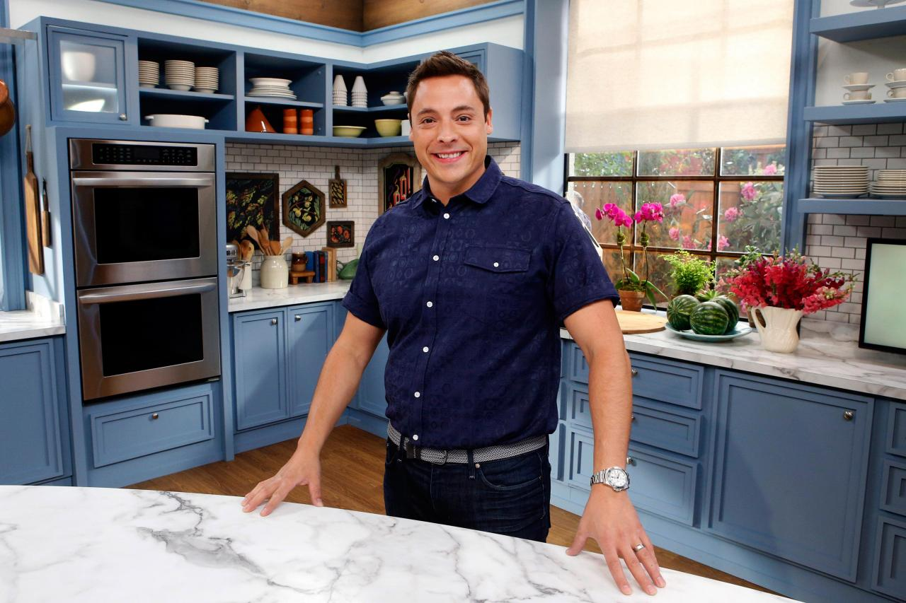 The Kitchen Food Network Cast jeff mauro bio | jeff mauro, host of sandwich king | food network