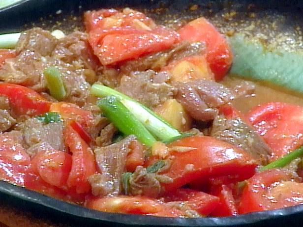 Beef With Scallions Tomato And Ginger