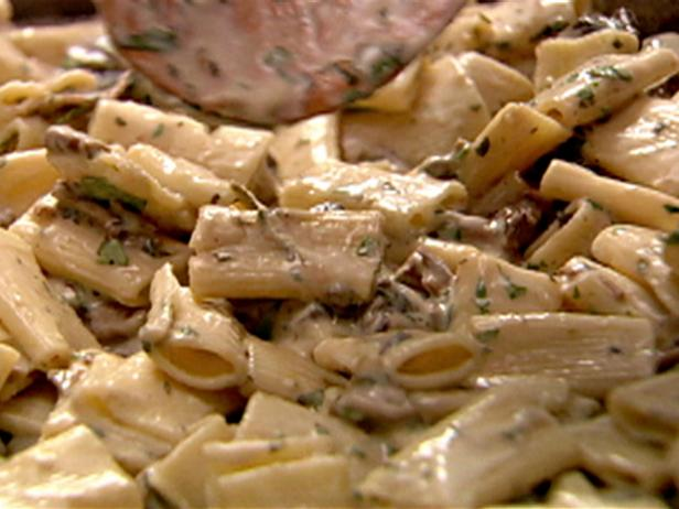 Big Pasta with Mushroom, Parsley, Garlic and Thyme