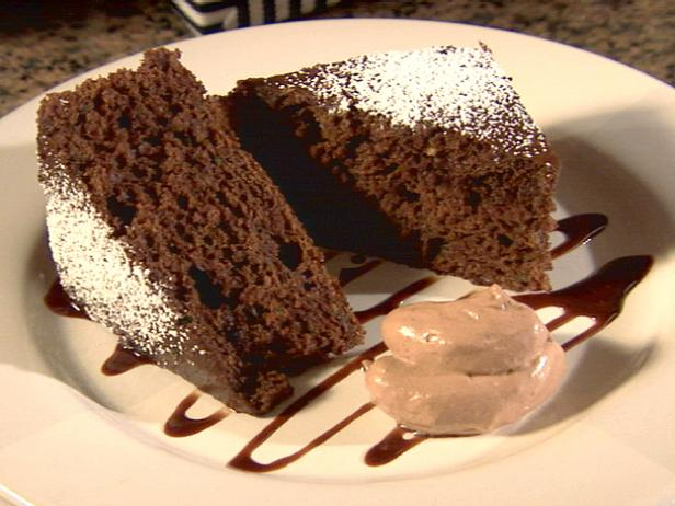 Super Moist Chocolate Cake with Chocolate-Cinnamon Topping