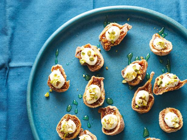 Figs with Ricotta, Pistachio, and Honey