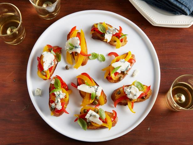 Bruschetta with Peppers and Gorgonzola