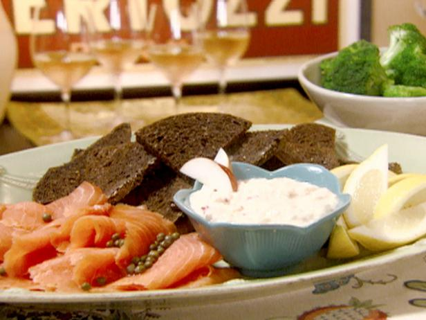 Smoked Salmon with Apple-Horseradish Cream and Black Bread