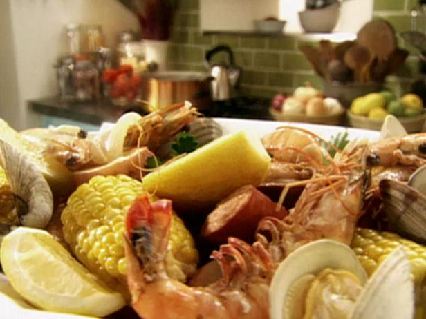 Shrimp Boil with Clams and Lemon