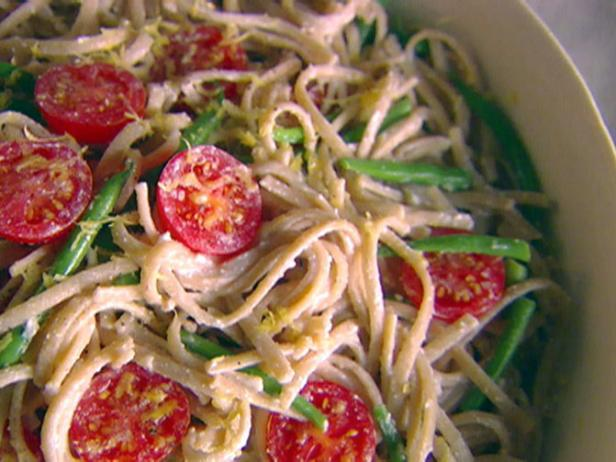 Whole-Wheat Linguine with Green Beans, Ricotta, and Lemon