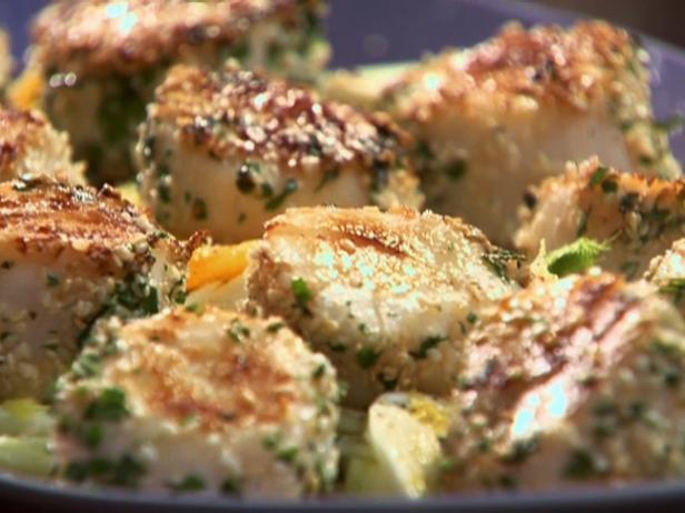 Herb and Sesame Scallops with Orange and Fennel Salad