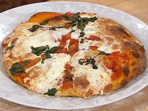 Classic Margherita Pizza - New York Style
