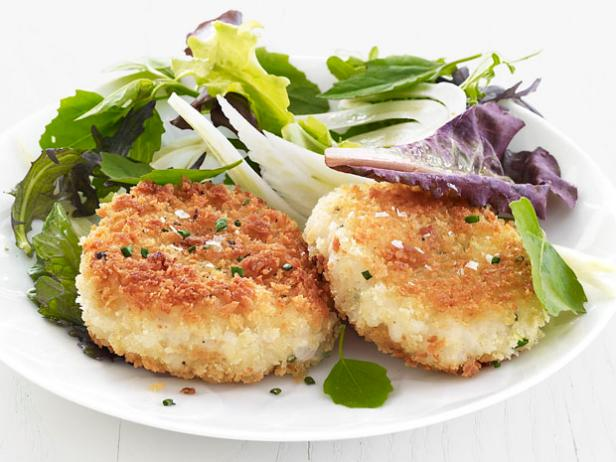 Risotto Cakes with Mixed Greens