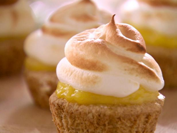 Bek's Lemon Meringue Tea Cakes
