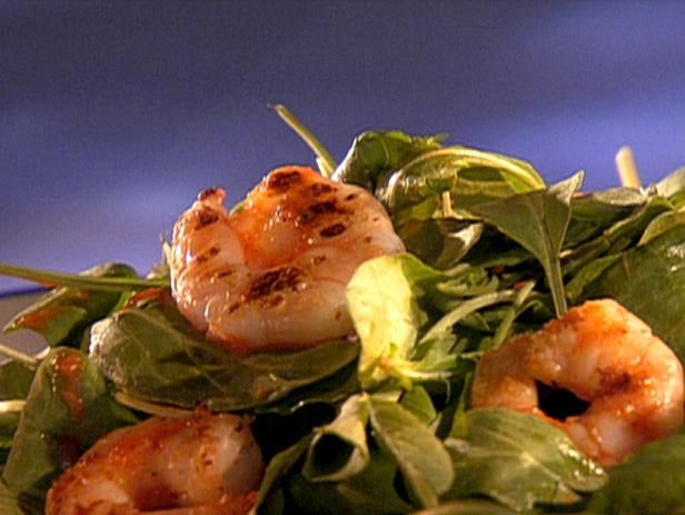 Arugula Salad with Seared Shrimp and Roasted Red Bell Pepper Vinaigrette