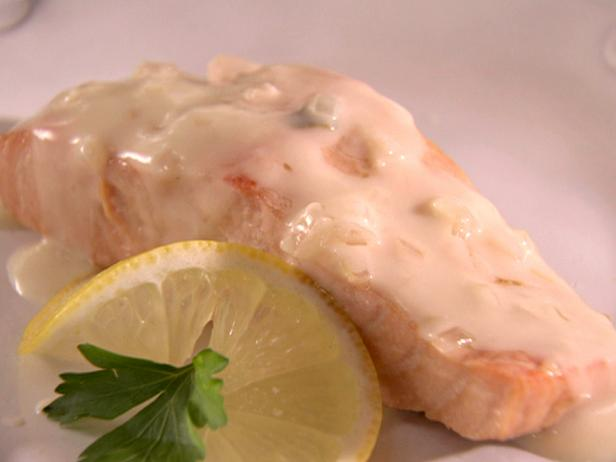 Poached Salmon with Champagne Sauce
