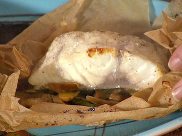Ginger-Garlic Fish in Parchment