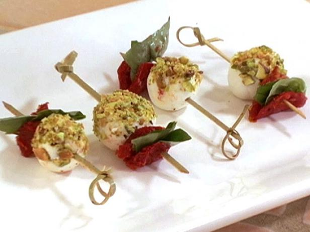 Sun-Dried Tomato and Goat Cheese Skewers
