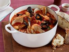 Giada De Laurentiis' Cioppino, an Italian-American fisherman's stew, is a lighter alternative to heavy holiday meals, from Everyday Italian on Food Network.