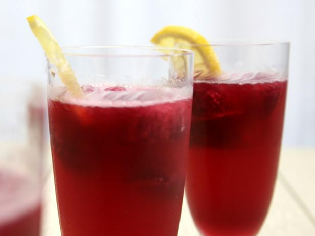 Pomegranate Lemonade Spritzer