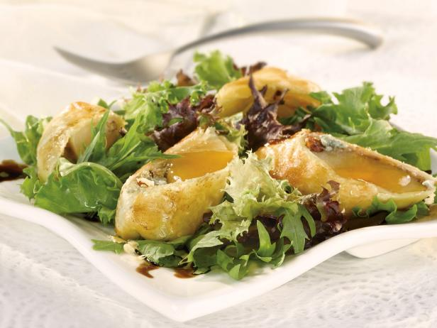 Gorgonzola and Honey Pear en Croute Salad