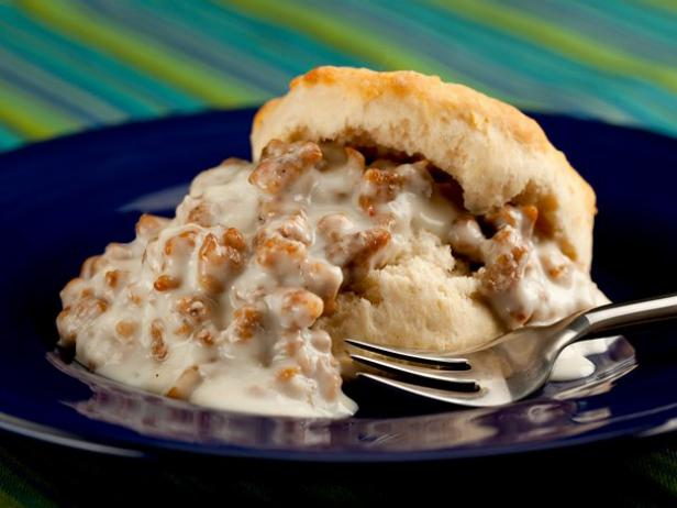 Easy Sausage Gravy and Biscuits