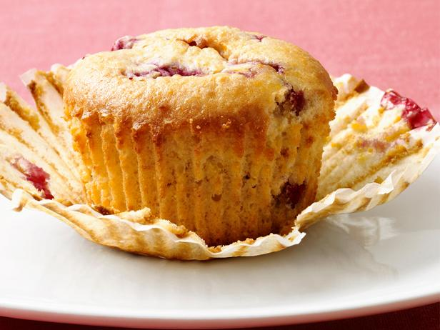Low-Fat Raspberry-Corn Muffins