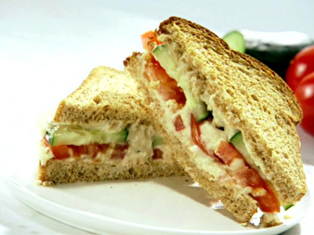 Cucumber and Tomato Sandwich with Garlic White Bean Hummus