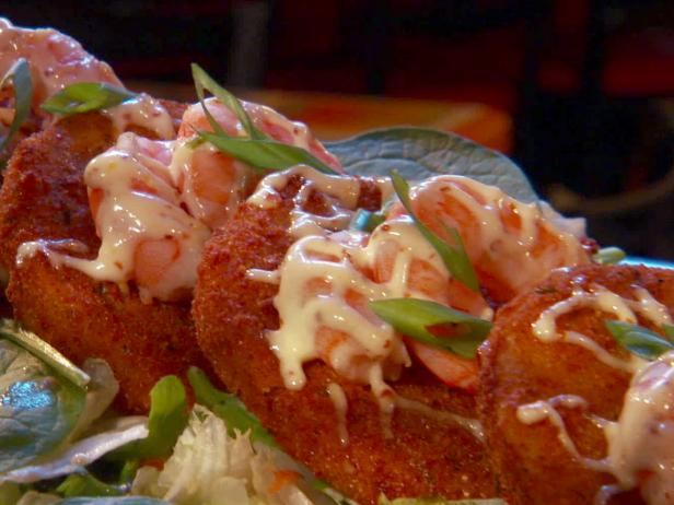 Fried Green Tomatoes with Shrimp and Remoulade Sauce