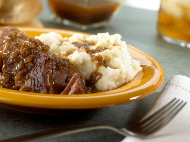 Slow Cooker Melt-In-Your-Mouth Short Ribs
