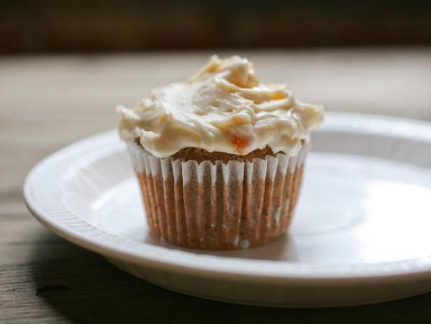 Quick Cupcakes with Peach Frosting