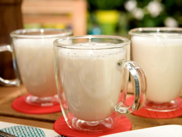 Frothy Hot White Chocolate