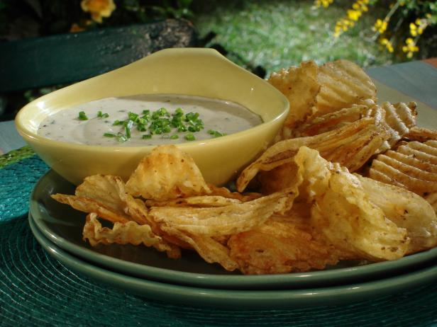 Potato Chips Warmed on Grill with Gorgonzola Sauce and Chives