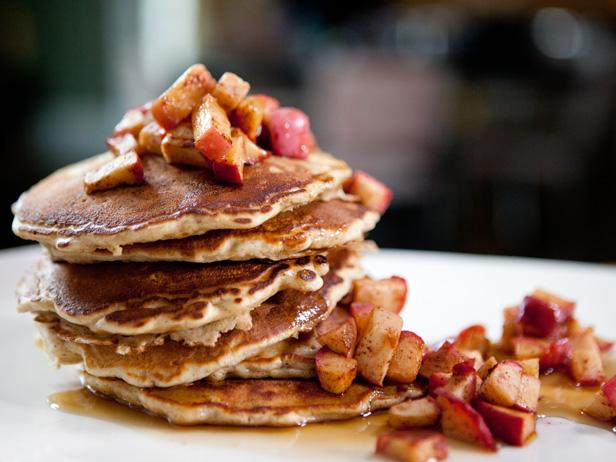 Oatmeal Pancakes with Maple-Glazed Roasted Apples