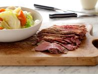 CC_tyler-florence-corned-beef-and-cabbage-recipe_s4x3