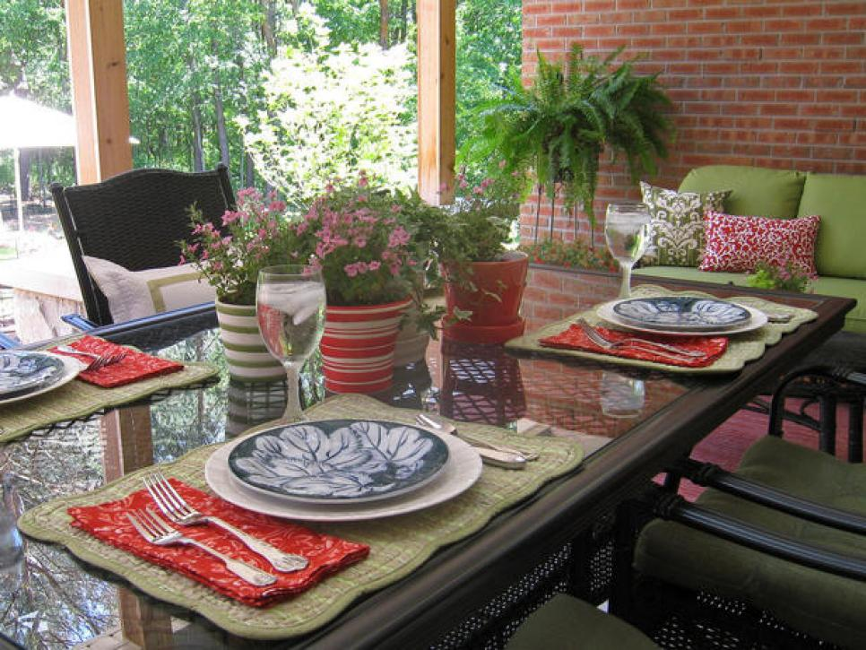 Summer table centerpiece ideas food network summer for Patio table centerpiece ideas