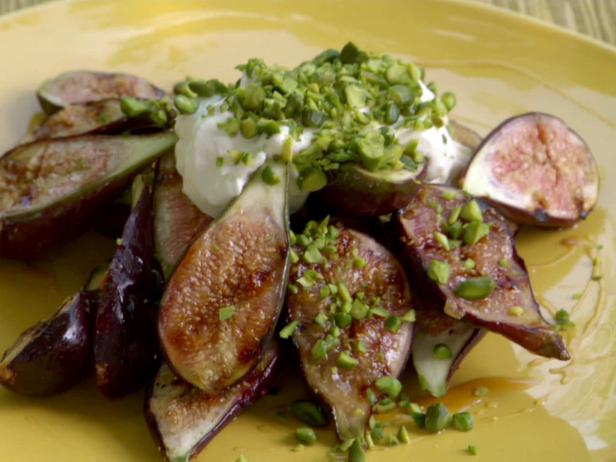 Grilled Honey-Orange Figs with Mascarpone and Pistachios