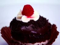 Vegan, Soy-Free, Nut-Free Fudge, Mint and Raspberry Cupcakes