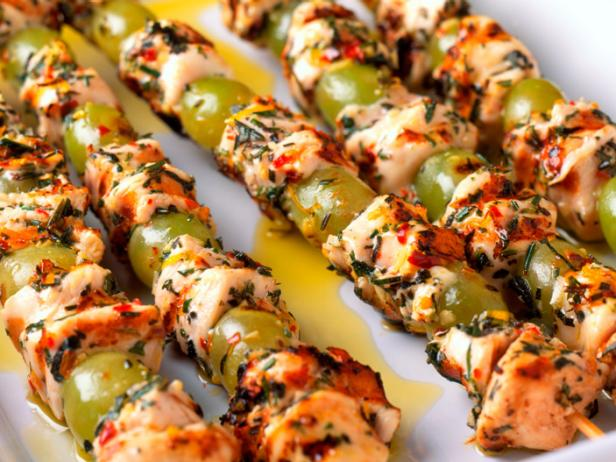Mediterranean Grilled Chicken and Grape Skewers