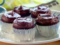 Chocolate Pudding Frosted Cupcakes