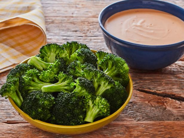 Blanched Broccoli and Cheese Dipping Sauce