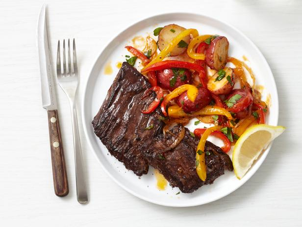 Skirt Steak With Peppers