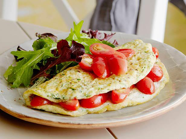 Herbed Egg White Omelet with Tomatoes