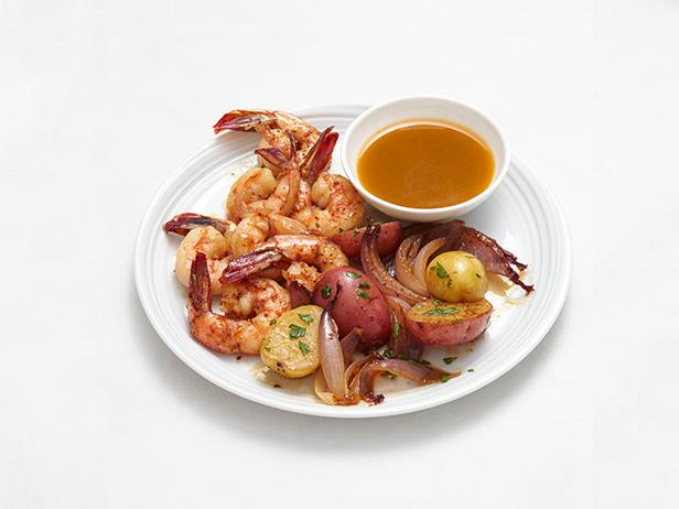 Grilled Beer and Butter Shrimp With Potatoes