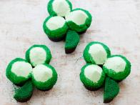 FN_St-Patricks-Day-Green-Velvet-Cupcake-Shamrocks_s4x3