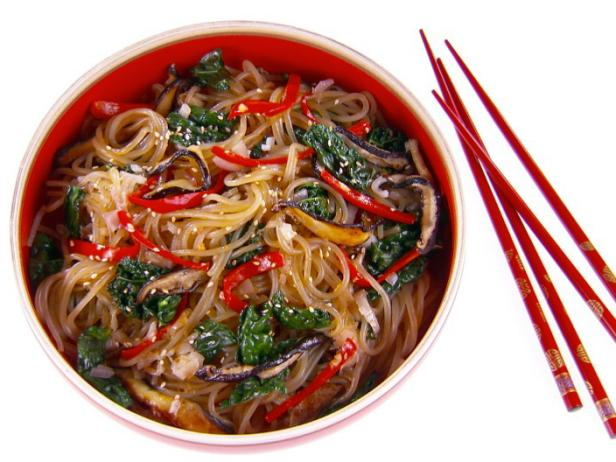 Vegetarian Korean Noodles (Japchae)