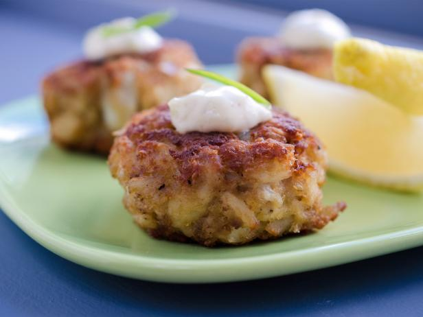 Gulf Coast Crab Cakes with Country Remoulade