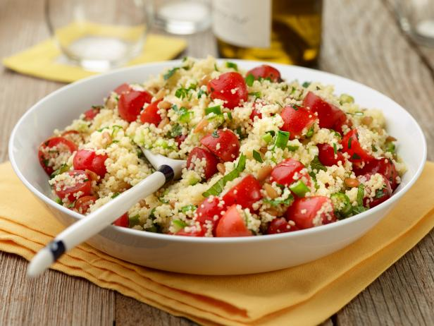 Couscous salad with tomatoes and mint recipe food for Couscous food recipe