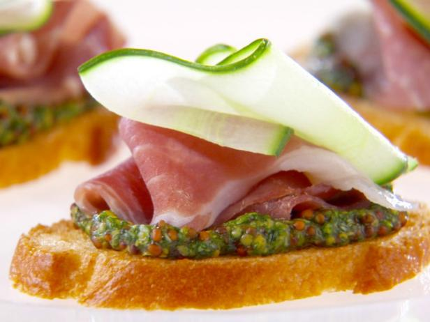Prosciutto and Cucumber Crostini with Arugula Mustard
