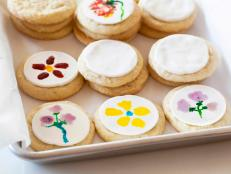 May flowers bring joy — the kind of joy that inspired me to break out my brushes so that I could paint and capture what I saw on ... cookies!
