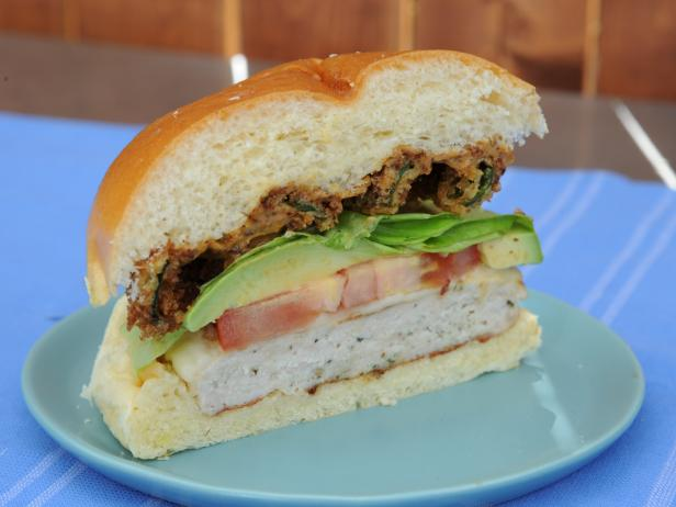 Grilled Chicken Burgers with Pasilla Aioli