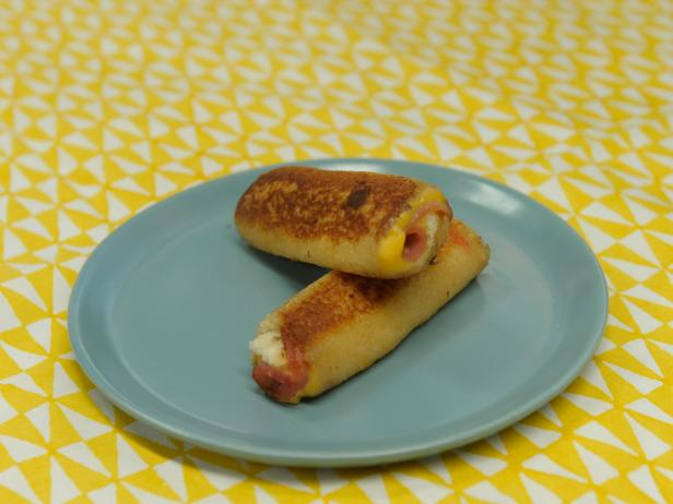 Ham and Cheese Rolled Sandwiches