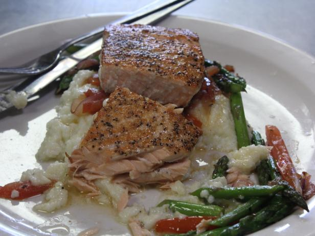 Grilled Salmon with Grits and Fresh Vegetables