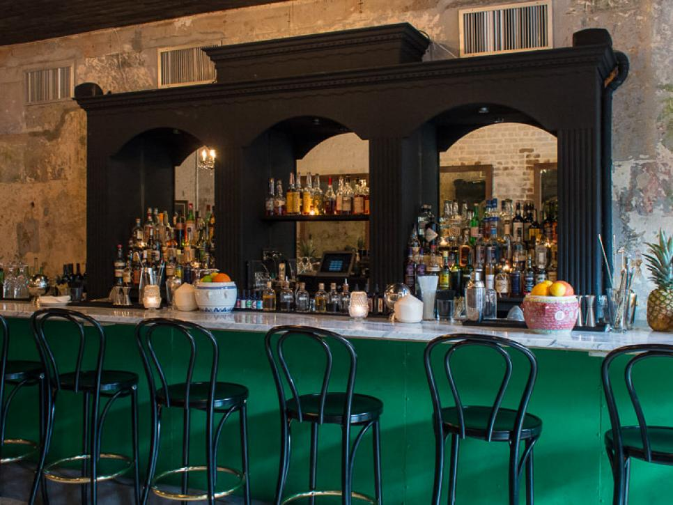 The locals 39 guide to french quarter restaurants for Food bar new orleans