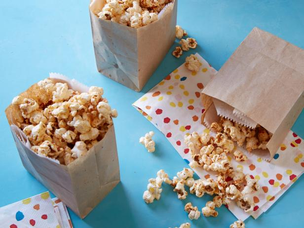 Kids Can Make: Healthy Taco Popcorn